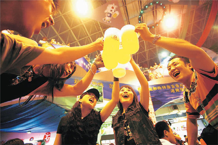 Qingdao International Beer Festival (青岛国际啤酒节)